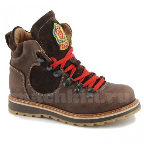 Коричневые ботинки модные 174